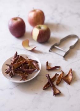 Chips de pelures de pommes à la cannelle