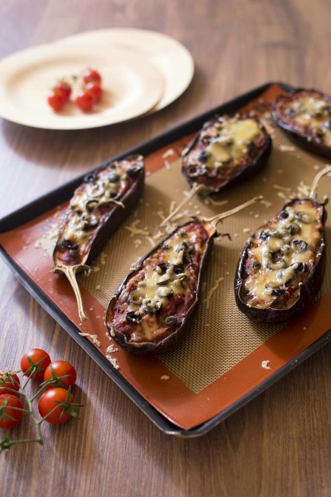 Photo de la recette : Aubergines pizza aux tomates et câpres