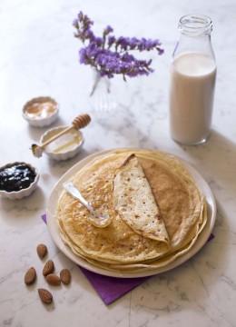 Pâte à crêpes au lait d'amandes – sans lactose