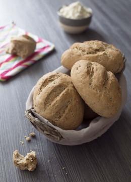Petits pains rustiques aux graines de lin et sésame