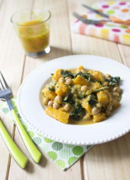 Curry de courge butternut aux pois chiches et épinards