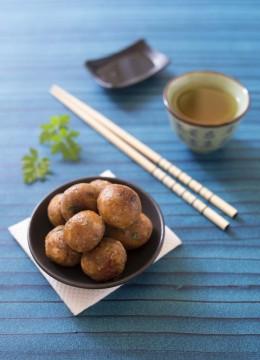 Boulettes de flocons de châtaigne à la sauce soja