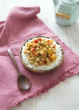 Patates douces aux pois chiches et poivrons sauce coco
