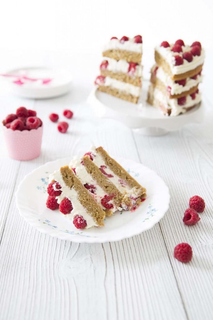 Layer cake framboises coco : photo de la recette