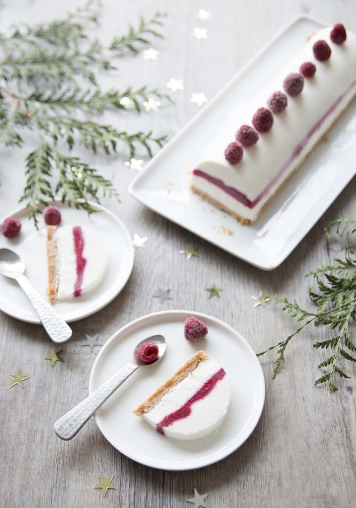 Photo de la recette : Bûche de Noël vegan citron coco framboises