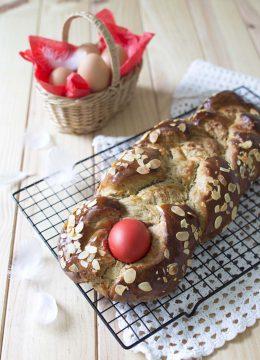 Tsoureki  – brioche de Pâques traditionnelle en Grèce