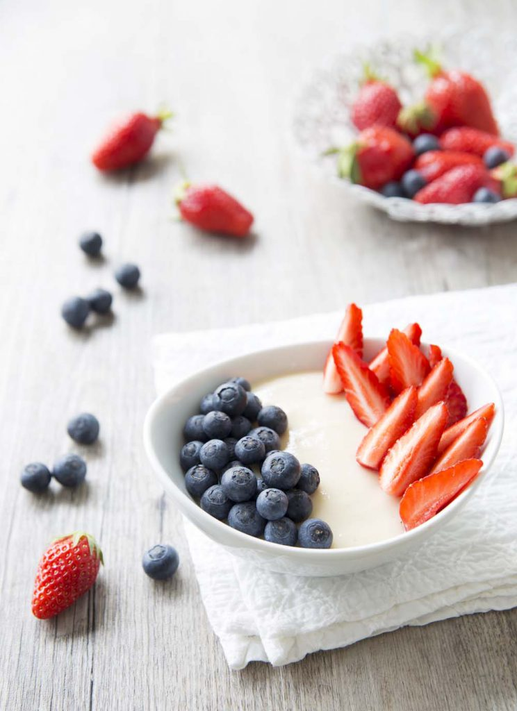 Photo de la recette : Mousse au citron et miel en version bleu blanc rouge