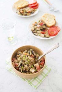 Salade d'été multicolore aux légumes grillés