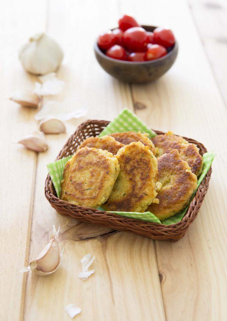 Photo de la recette : Galettes de lentilles corail, ciboulette et ail