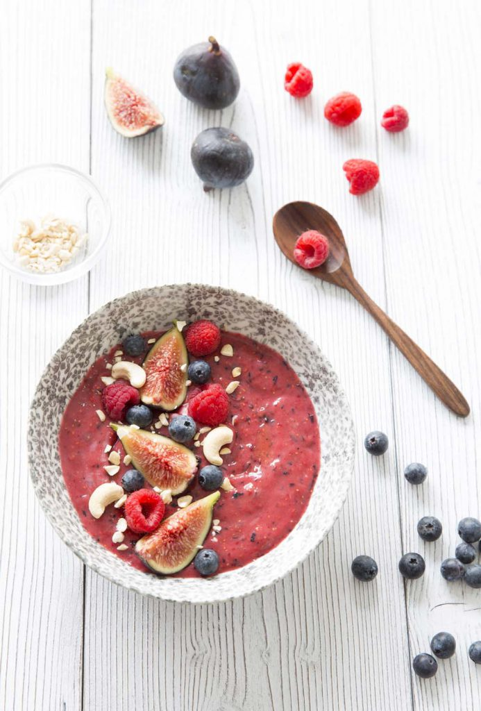 Photo de la recette : Smoothie bowl aux fruits rouges