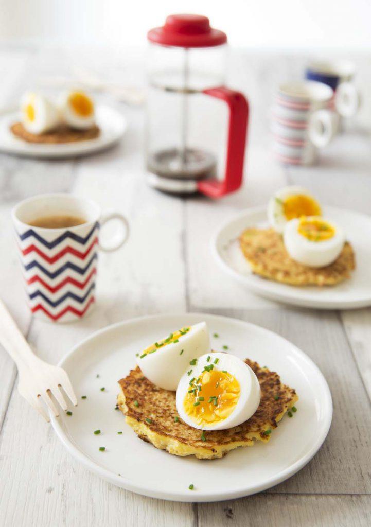 Photo de la recette : Pancakes de chou-fleur et oeufs mollets