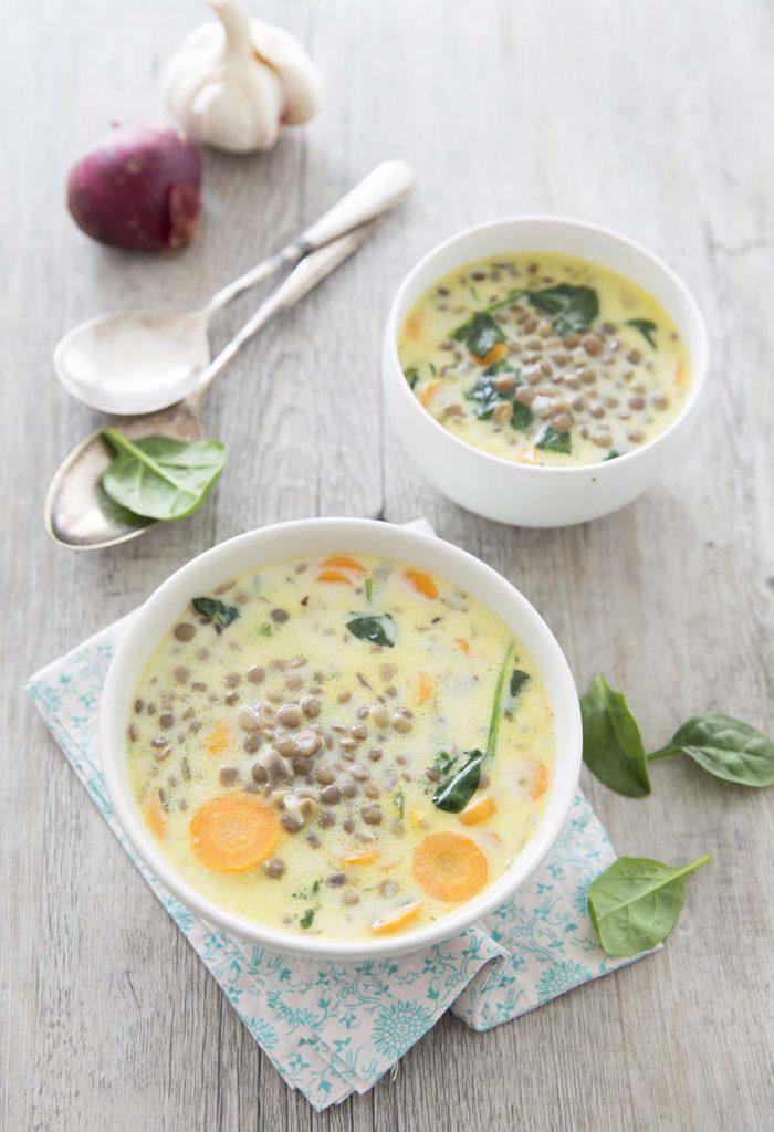 Photo de la recette : Soupe du nouvel an aux lentilles, épinards et coco