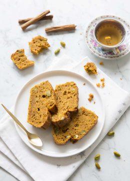 Cake moelleux carotte cannelle et pistaches