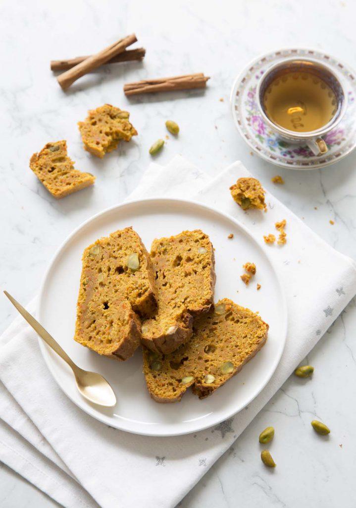 Photo de la recette : Cake moelleux carotte cannelle et pistaches