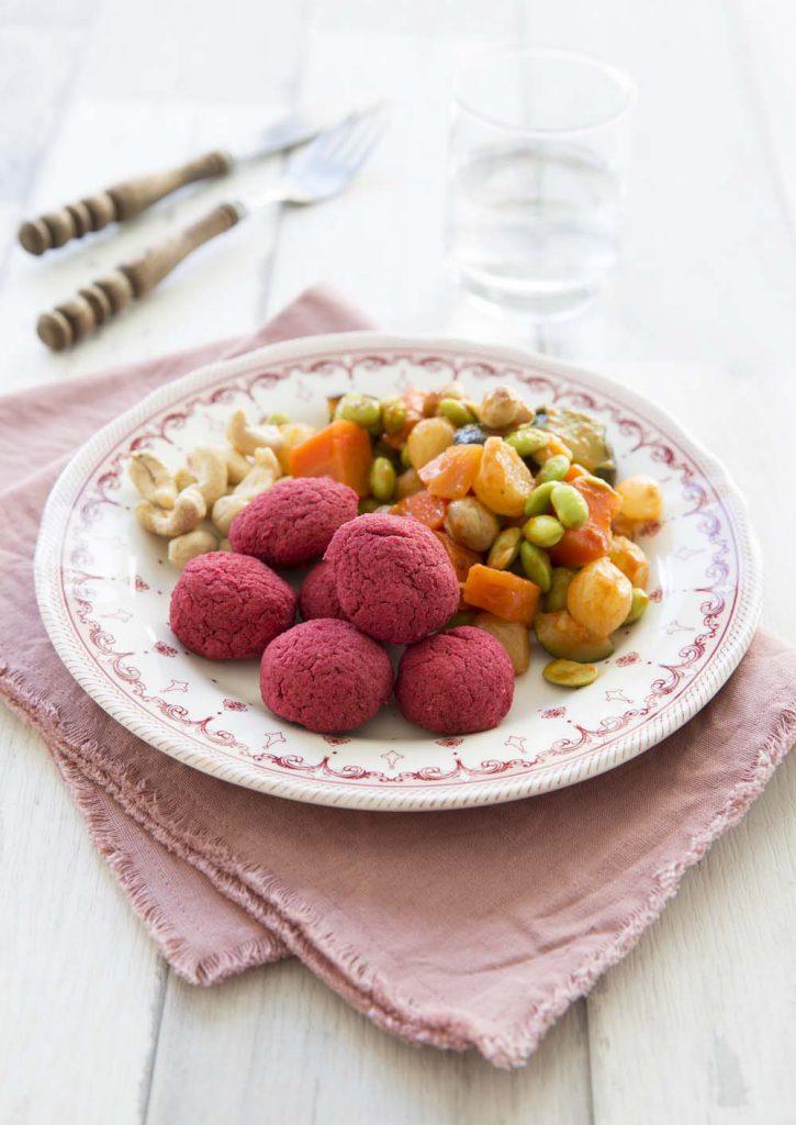 Photo de la recette : Boulettes toutes roses betterave pois chiches