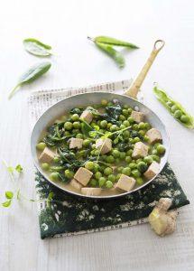 Poêlée printanière au tofu et petits pois