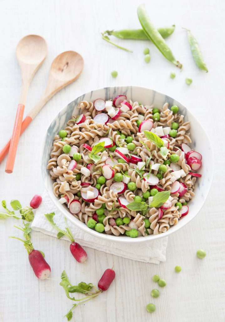 Photo de la recette : Salade printanière aux torsades petit épeautre, radis et petits pois