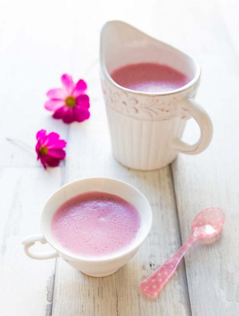 pink latte une boisson nergisante pour le matin recettes de cuisine biod lices. Black Bedroom Furniture Sets. Home Design Ideas