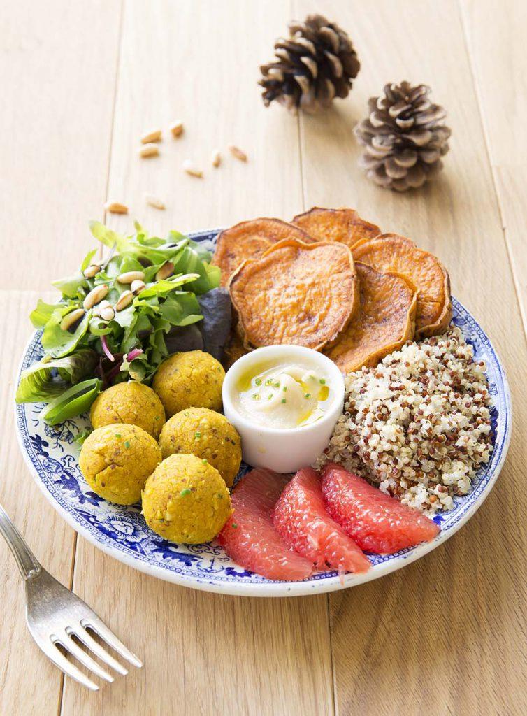 Photo de la recette : Buddha bowl d'automne aux boulettes de haricots et patates douces rôties