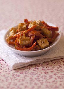 Tofu sauté aux carottes, gingembre et miel