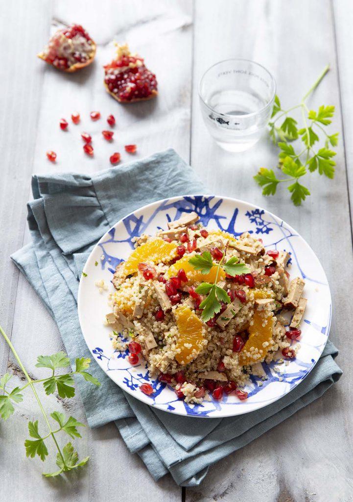 Recette Salade de quinoa au tofu fumé, oranges et grenade